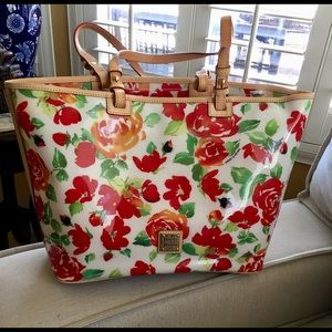 Dooney & Bourke Bags - 💥Dooney & Bourke Tote/Shoulder bag💥